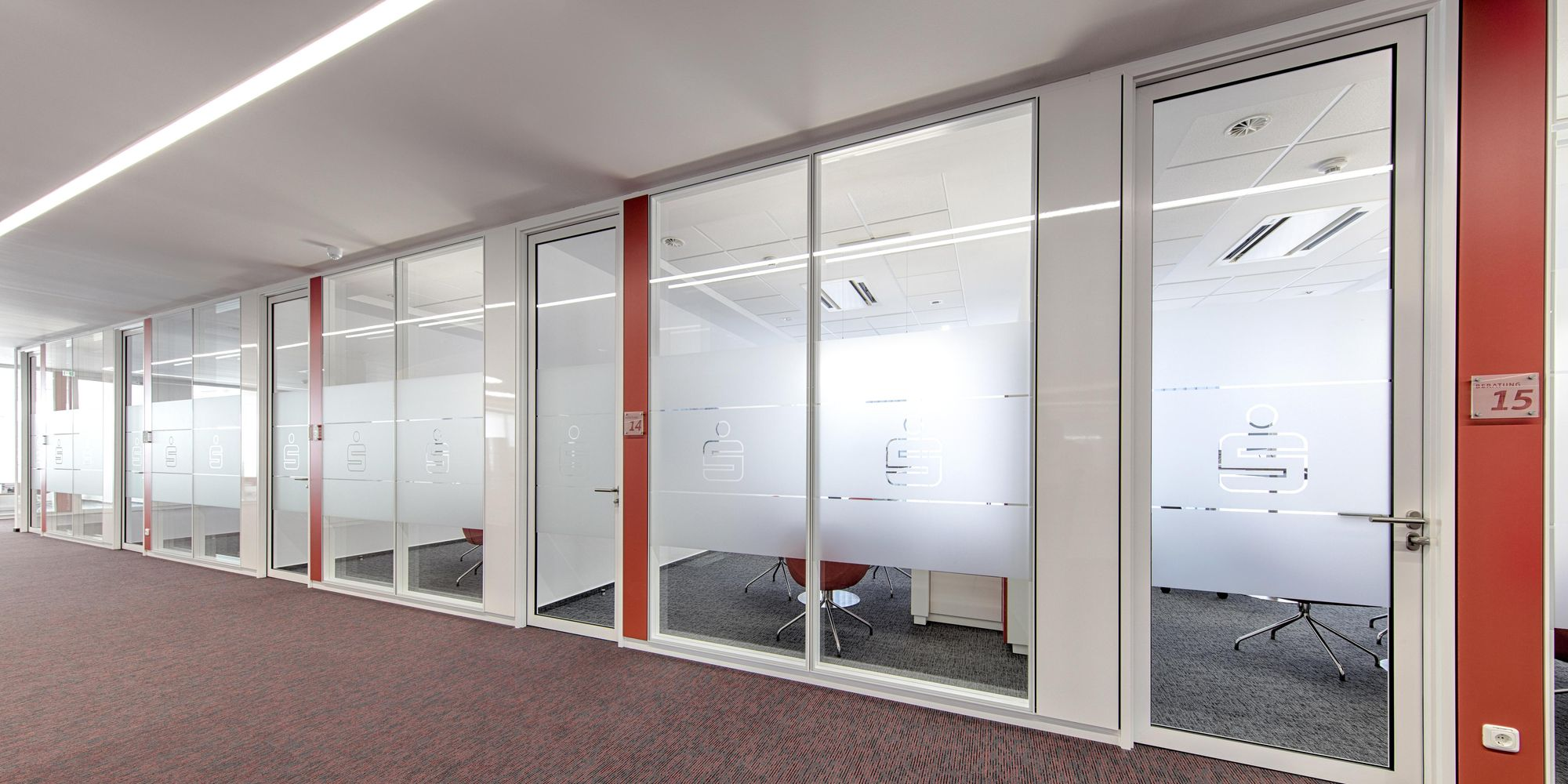 Full-height tube frame door in partition wall system with double glazing