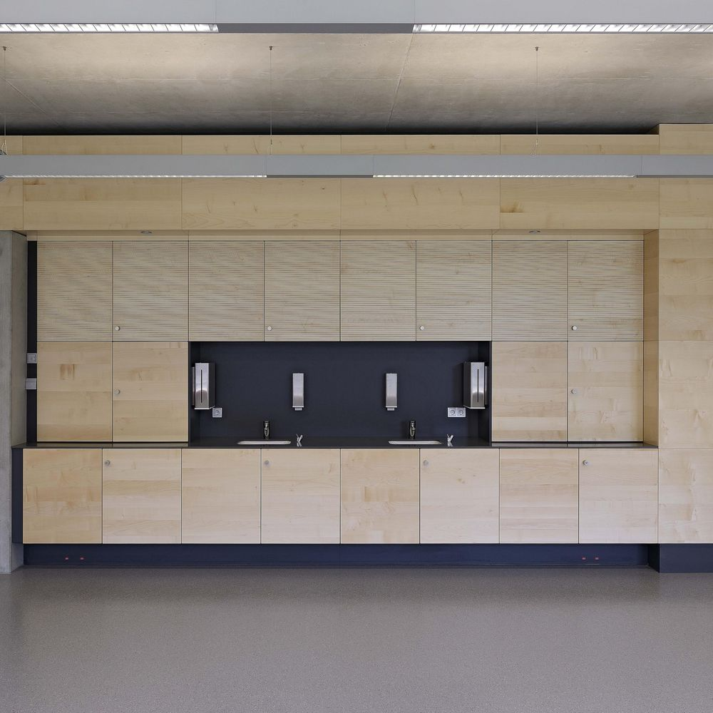 Kitchen installation and panelling with ventilation systems