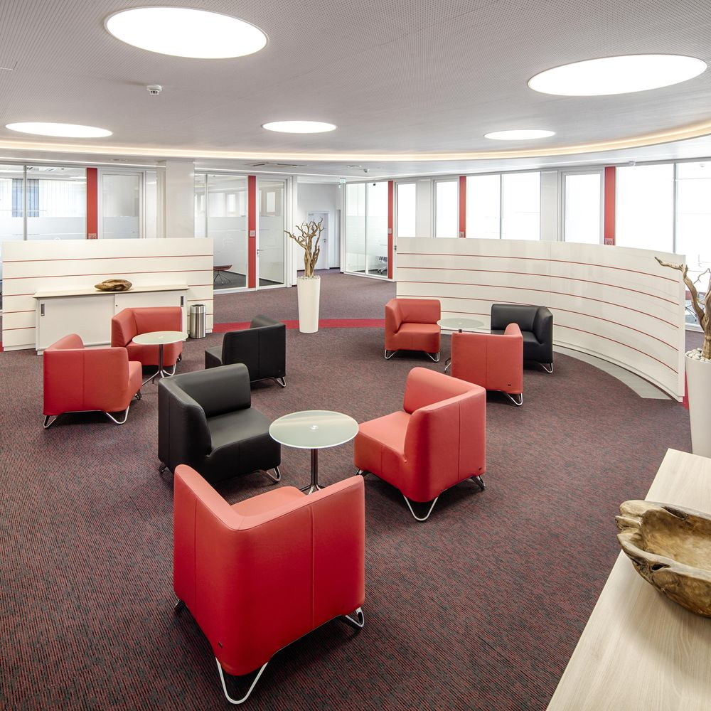 Wall systems enhance the interior fit-out