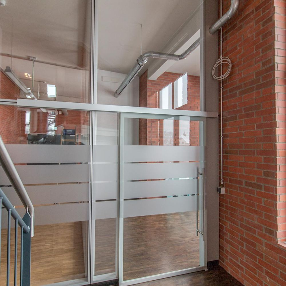 Sound-insulated sliding door as a space-saving solution